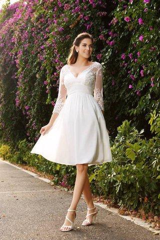 95a969c990 Robe de mariée de col en v en 3/4 manche ligne a de princesse